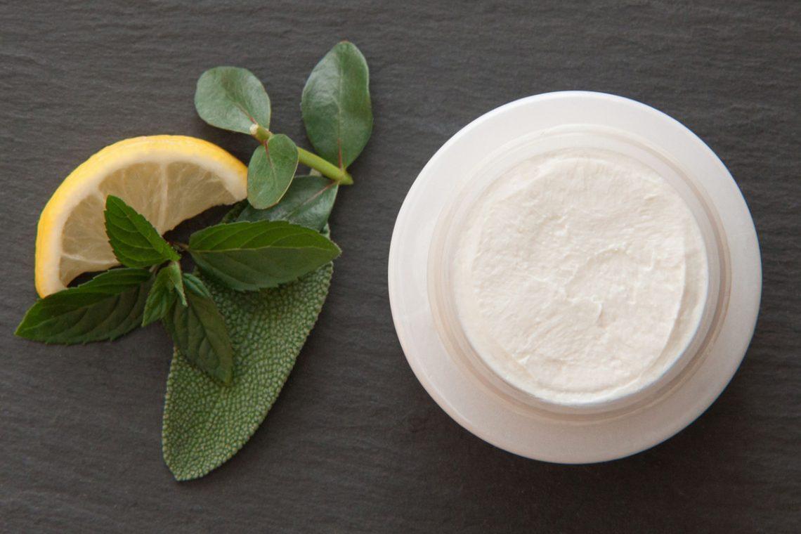 Trockene Haut – Ursachen und Pflegetipps