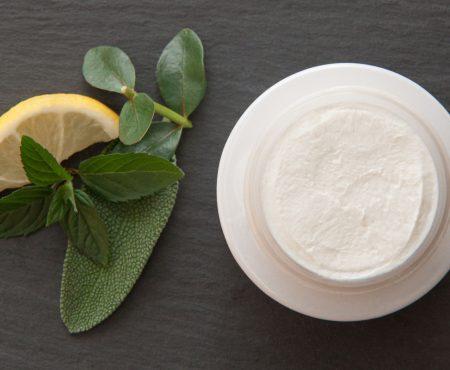 Trockene Haut - Ursachen und Pflegetipps